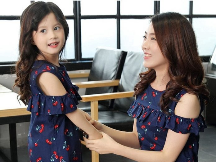 featured pic mother daughter dress