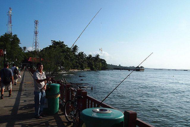 Hiking Trails Singapore Pulau Ubin Fishing