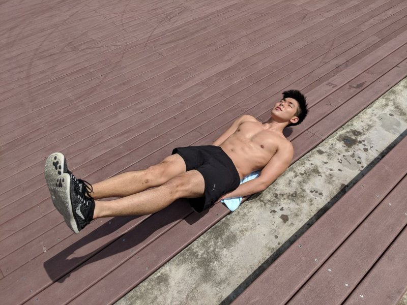 leg raise exercise at home