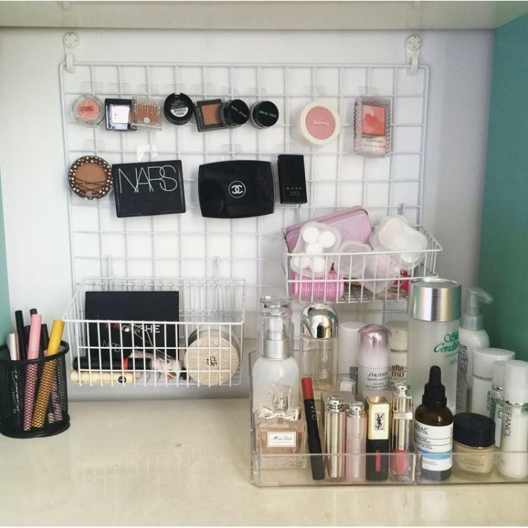 grid wall rack makeup organiser