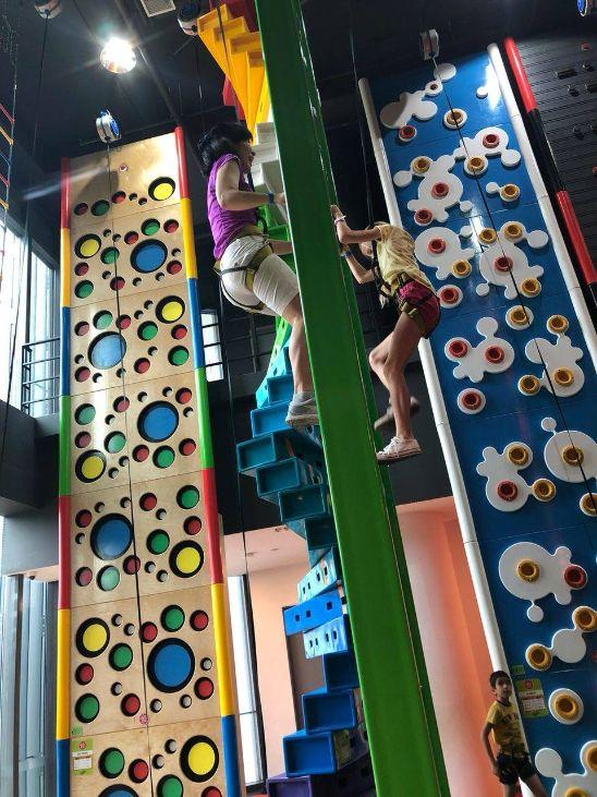clip 'n climb indoor playground singapore