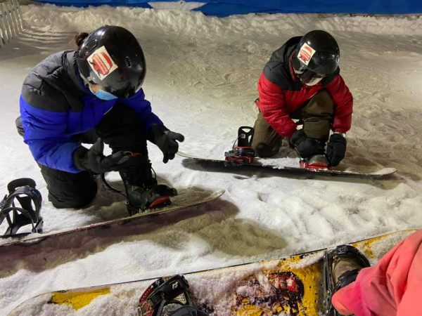 christmas gift experience singapore activity sportquest lessons snow city snowboard