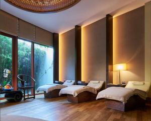 prenatal massage singapore auriga spa