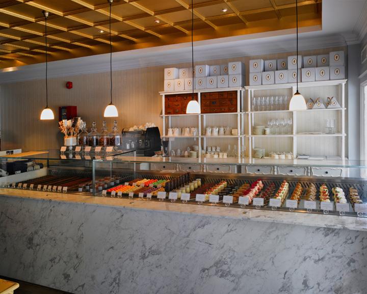 antoinette cafes near lavender