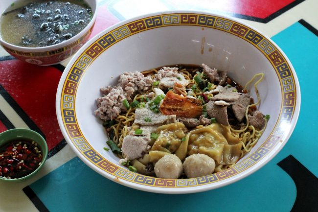 best hawker stalls in singapore south hill street tai hwa pork noodle