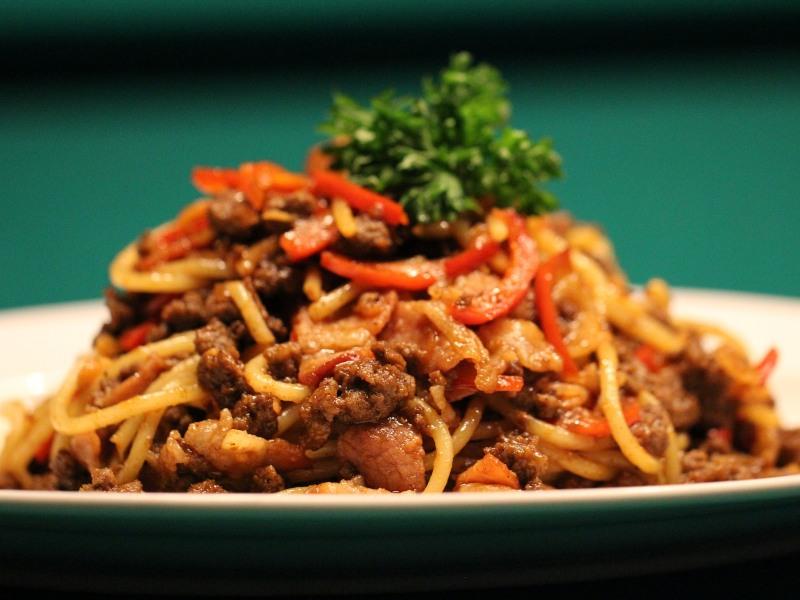 free food in singapore spaghetti