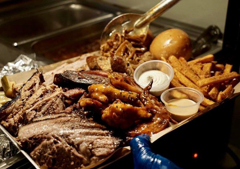 american restaurants in singapore red eye smokehouse