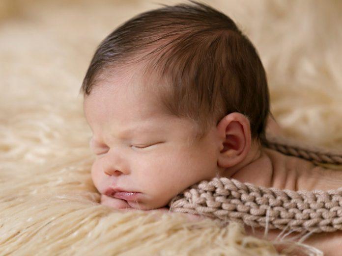 newborn photography singapore baby carpet knit