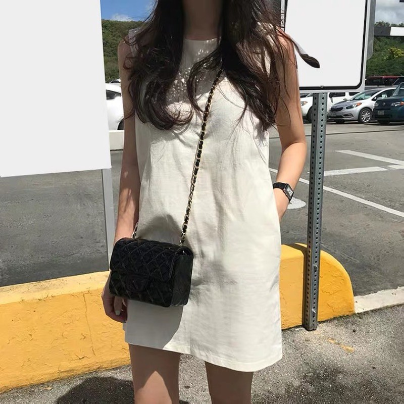 Simple Pocket Shift Dress