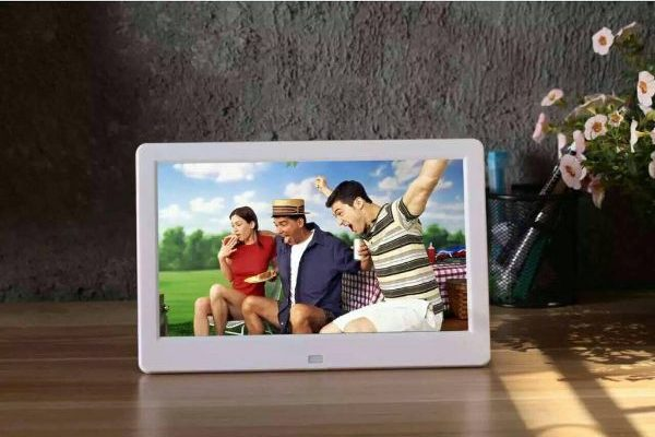 digital photo frame mother's day gift idea