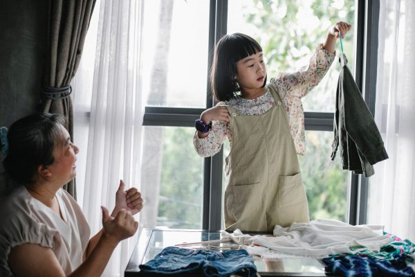 mothers day activity singapore 2021 help with housework mum daughter