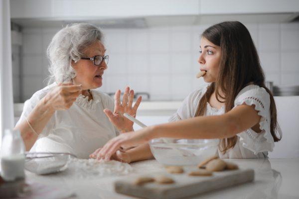 mothers day activity singapore 2021 grandma daughter bonding baking cookies