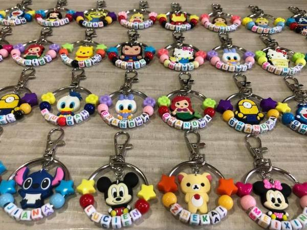 personalised name keychains cartoon characters mickey minnie children's day gift ideas for students