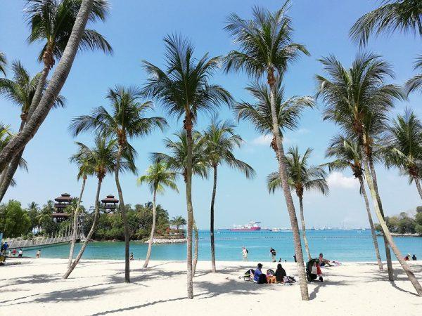 picnic places singapore sentosa palawan beach sandy picnic mat