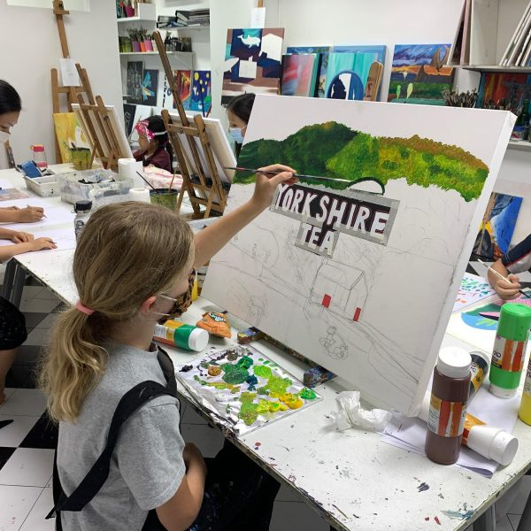 art jamming singapore for kids arthaus guided session with professional artists girl drawing