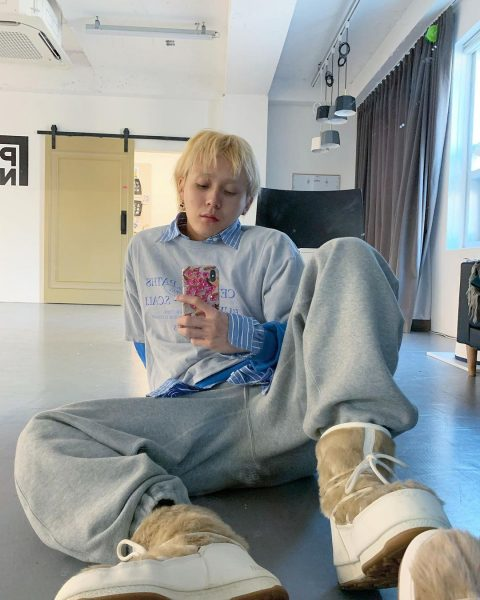 natural blonde dawn hyuna boyfriend kpop hair trends best hair colour for asian 2021