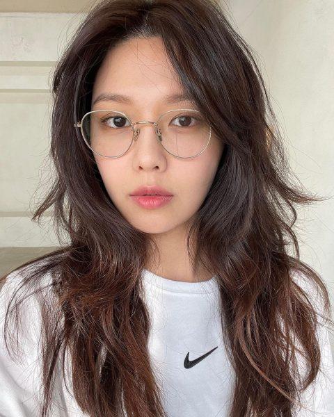 snsd sooyoung choi chocolate dark brown hair colour specs kpop trend