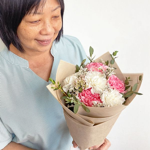 happy bunch affordable flower delivery singapore