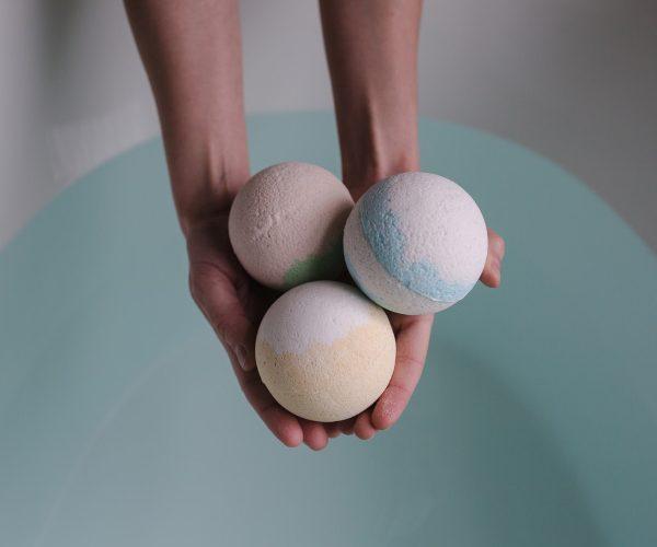 how to use bath bombs bath tub