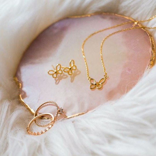 si dian jin set including butterfly necklace, ear studs and ring