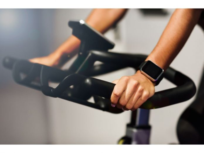 best spin classes singapore feature image