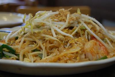 best pad thai restaurant singapore