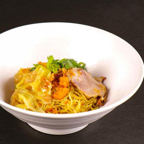 thai wanton noodle best thai restaurant kinmoo