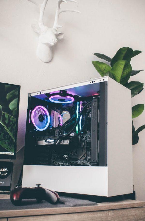gaming pc desktop see through glass chroma white