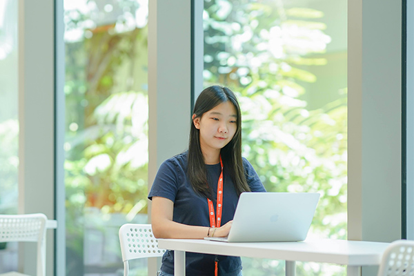 Poppy making use of the co-working space in Shopee
