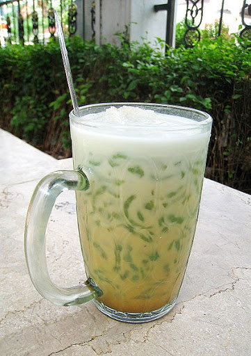 singapore local drinks chendol dessert gula melaka pandan jelly