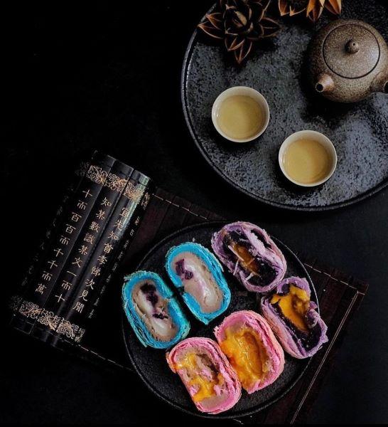 Peony Jade Orh Nee Mooncake three flavours blue pea sweet potato and yam