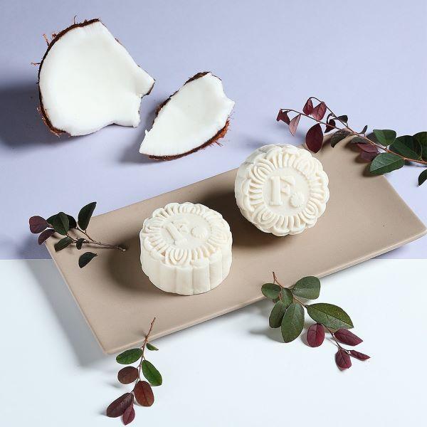 white coconut snowskin mooncake