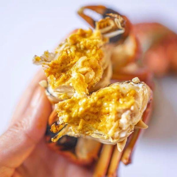 peel hairy crab with yellowish roe
